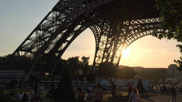 Sunset under the Eiffel Tower at Prosparis